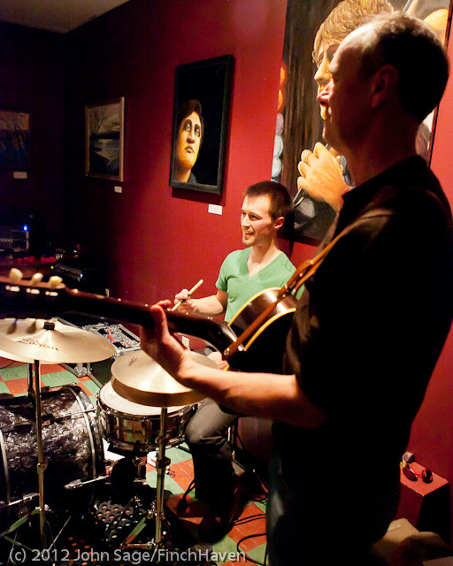 7040 the Diggers at Cafe Luna 123011
