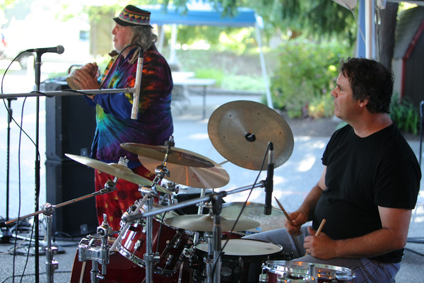 3553_Radio_Daddyo_at_Ober_Park_2010