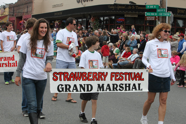 5693 Grand Parade Strawberry Festival 2010