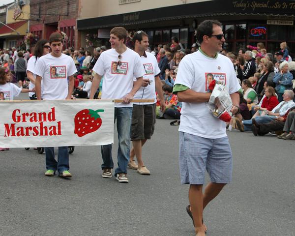 5694 Grand Parade Strawberry Festival 2010
