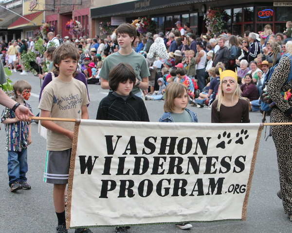 5760_Grand_Parade_Strawberry_Festival_2010