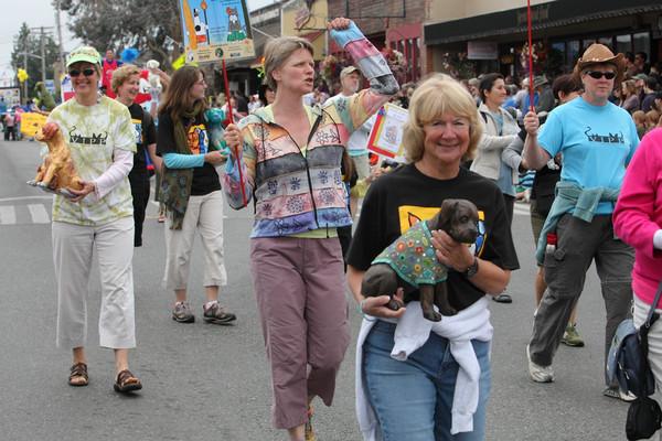 5853_Grand_Parade_Strawberry_Festival_2010