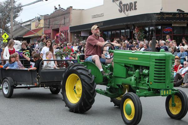 5986 Grand Parade Strawberry Festival 2010