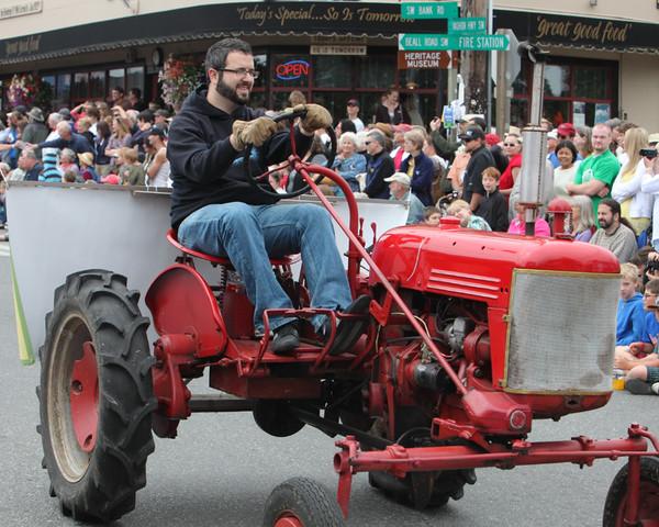 6000 Grand Parade Strawberry Festival 2010