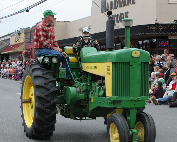 6003 Grand Parade Strawberry Festival 2010