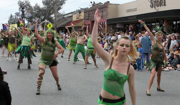 6518_Grand_Parade_Strawberry_Festival_2010