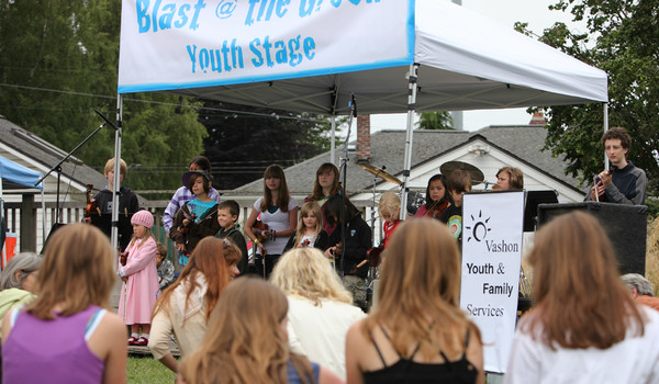 8054 Vashon Youth String Orchestra at the Green Stage 2010