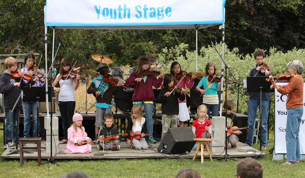 8071 Vashon Youth String Orchestra at the Green Stage 2010