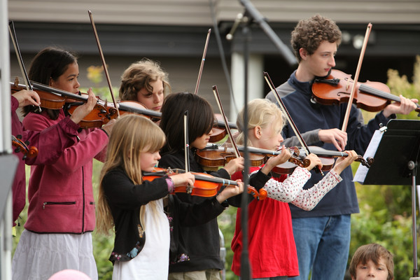 8083 Vashon Youth String Orchestra at the Green Stage 2010