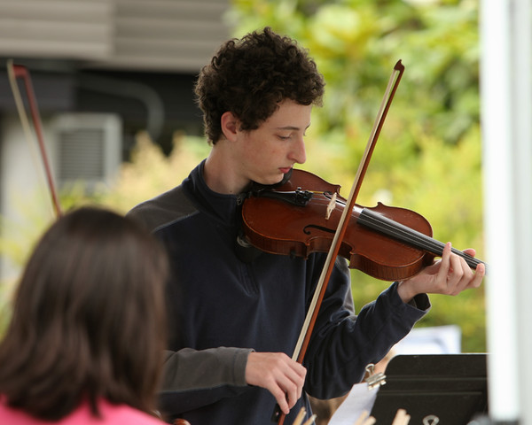 8096 Vashon Youth String Orchestra at the Green Stage 2010