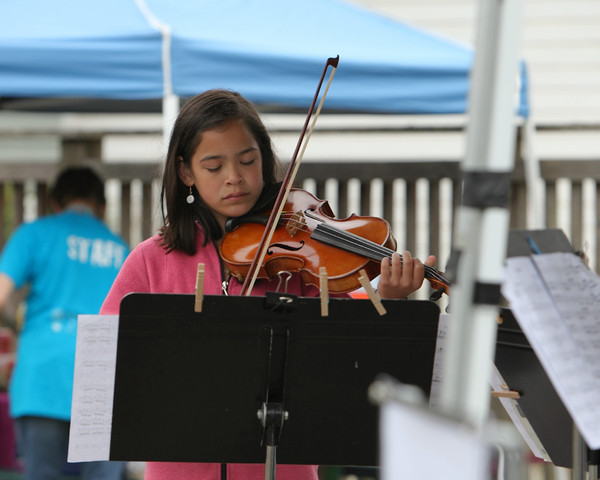 8102 Vashon Youth String Orchestra at the Green Stage 2010