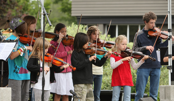 8110 Vashon Youth String Orchestra at the Green Stage 2010
