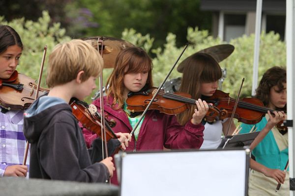8132 Vashon Youth String Orchestra at the Green Stage 2010