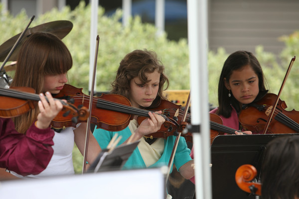 8133 Vashon Youth String Orchestra at the Green Stage 2010