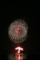 8130 July 4th fireworks 2006