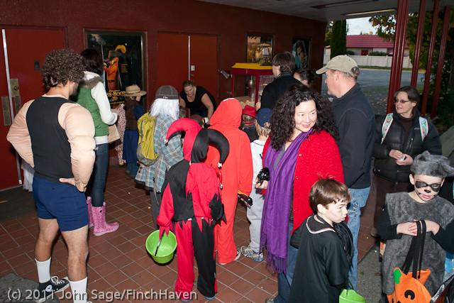 6200 Halloween on Vashon 2011