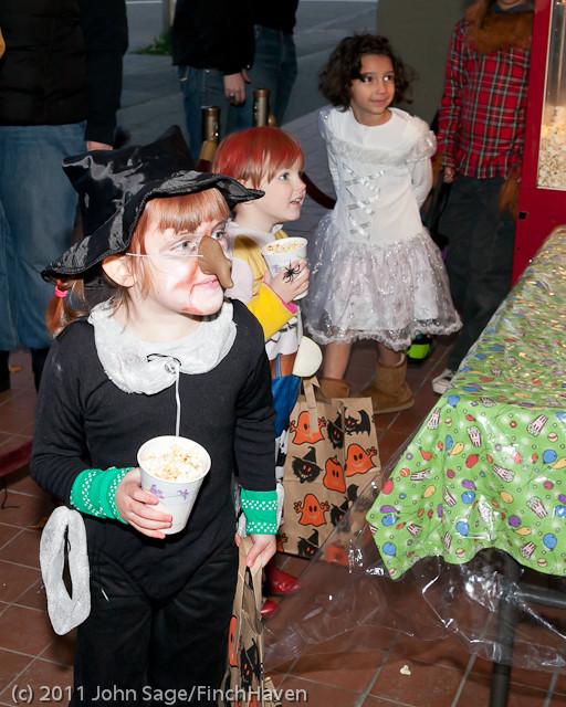 6209 Halloween on Vashon 2011