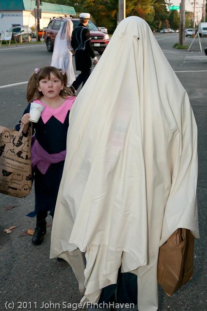 6236 Halloween on Vashon 2011