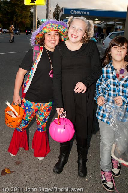 6237 Halloween on Vashon 2011