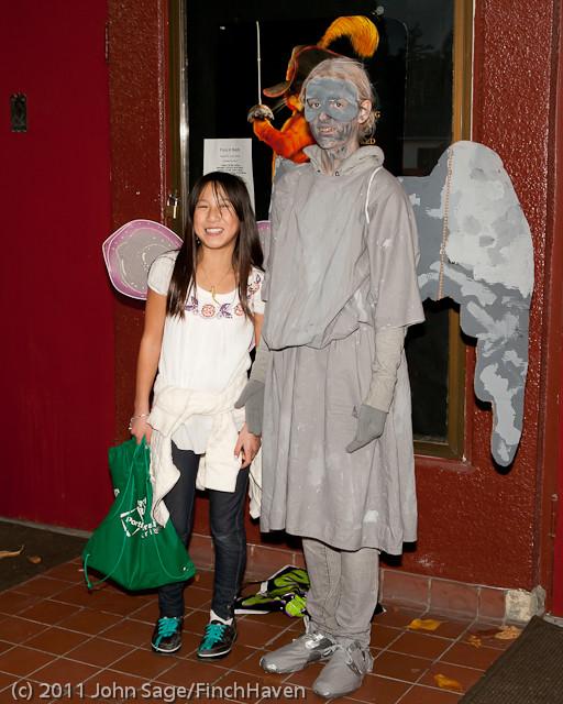 6266 Halloween on Vashon 2011