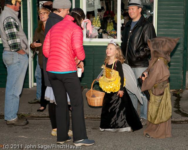 6282 Halloween on Vashon 2011