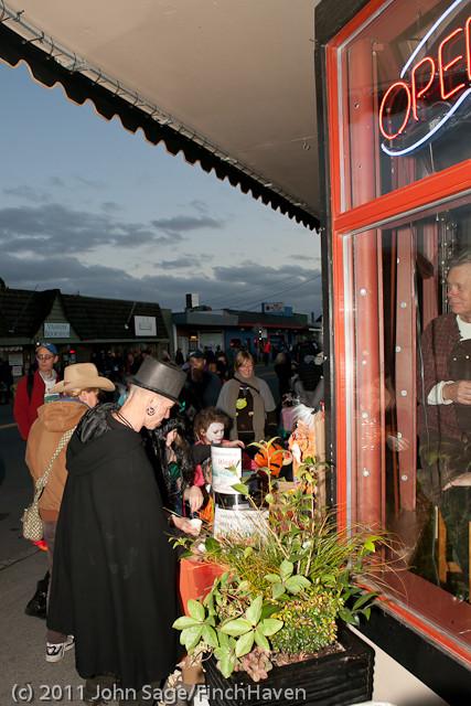 6314 Halloween on Vashon 2011