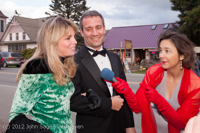 8237_Oscars_Night_on_Vashon_2012_022612