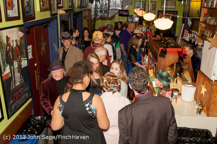 3689_Oscars_Night_on_Vashon_2013_022413