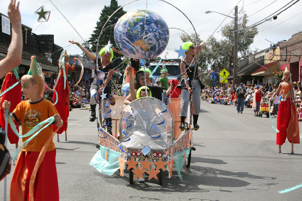 8333 Grand Parade Festival 2009