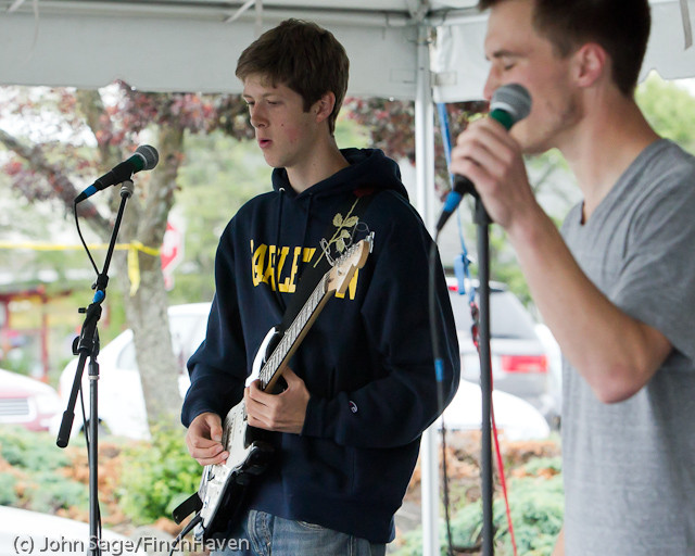 0724 Party Fowl at Concert Stage Sunday 2011