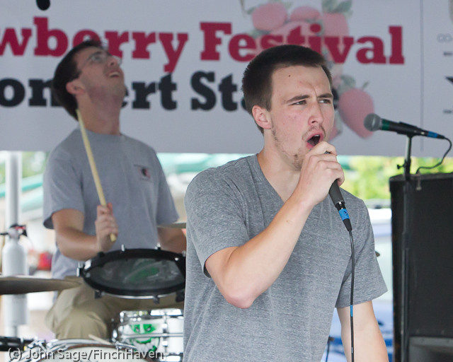 0742 Party Fowl at Concert Stage Sunday 2011