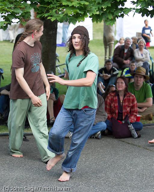 19555 the Diggers dancers at Ober Park 2011