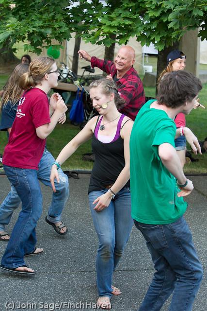 19993 the Diggers dancers at Ober Park 2011