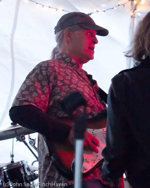 6227 Loose Change at the Beer Garden 2011