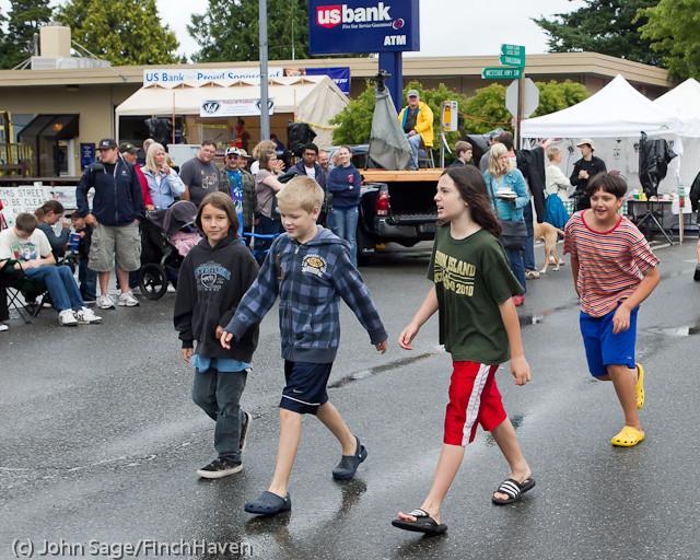 6893 Strawberry Festival Kids Parade 2011