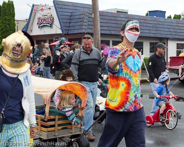 6925 Strawberry Festival Kids Parade 2011