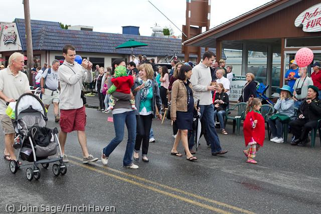 6948 Strawberry Festival Kids Parade 2011