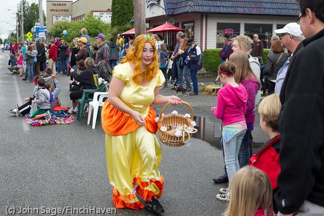 6952 Strawberry Festival Kids Parade 2011
