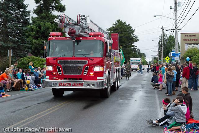 6954 Strawberry Festival Grand Parade 2011