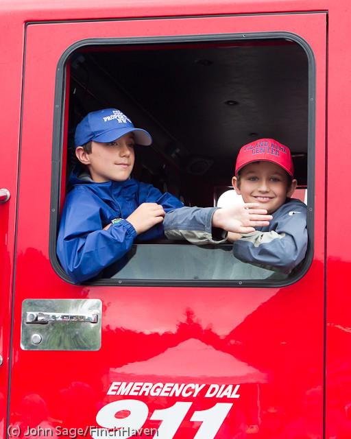 6964 Strawberry Festival Kids Parade 2011