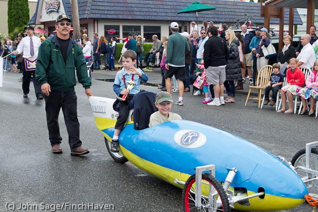 6990 Strawberry Festival Grand Parade 2011