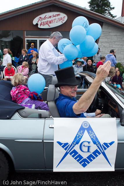 6996 Strawberry Festival Grand Parade 2011