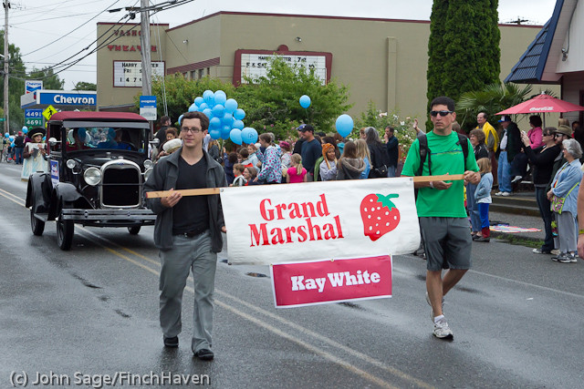 6997_Strawberry_Festival_Grand_Parade_2011