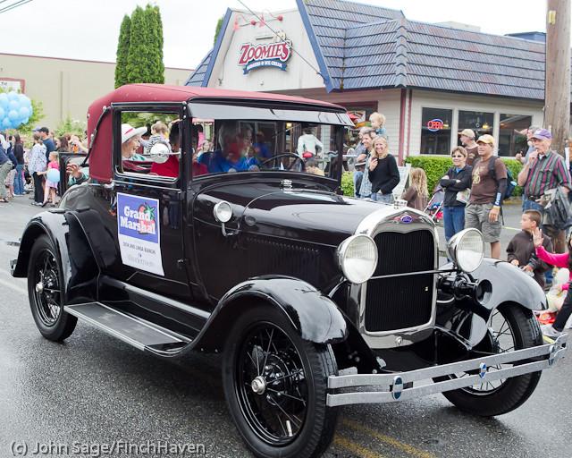 7001 Strawberry Festival Grand Parade 2011