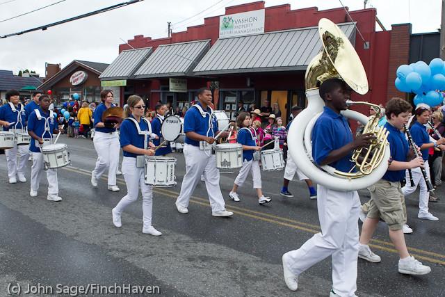 7047 Strawberry Festival Grand Parade 2011