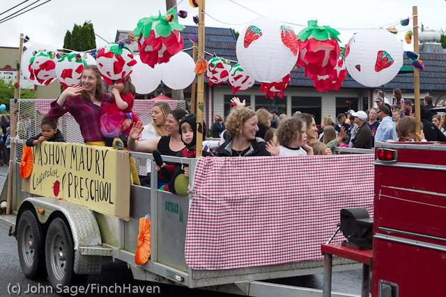 7053 Strawberry Festival Grand Parade 2011