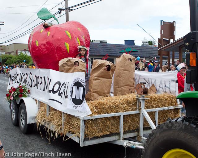 7067 Strawberry Festival Grand Parade 2011