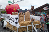 7069 Strawberry Festival Grand Parade 2011