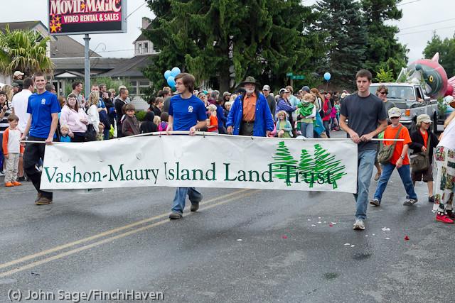 7114 Strawberry Festival Grand Parade 2011