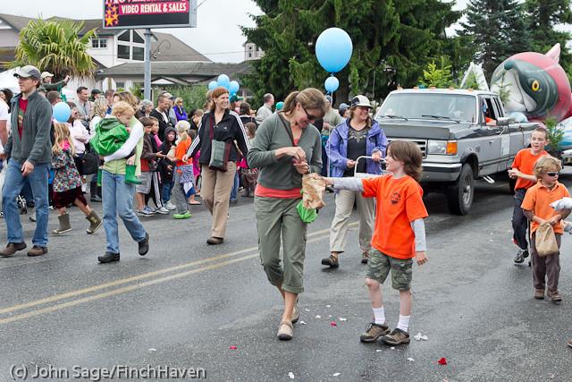 7117 Strawberry Festival Grand Parade 2011